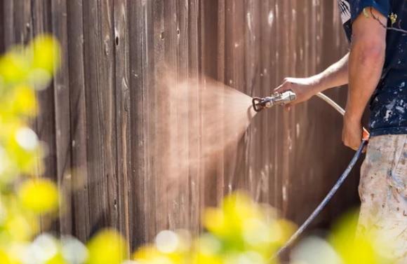 fence painting in Wagga Wagga NSW 2650
